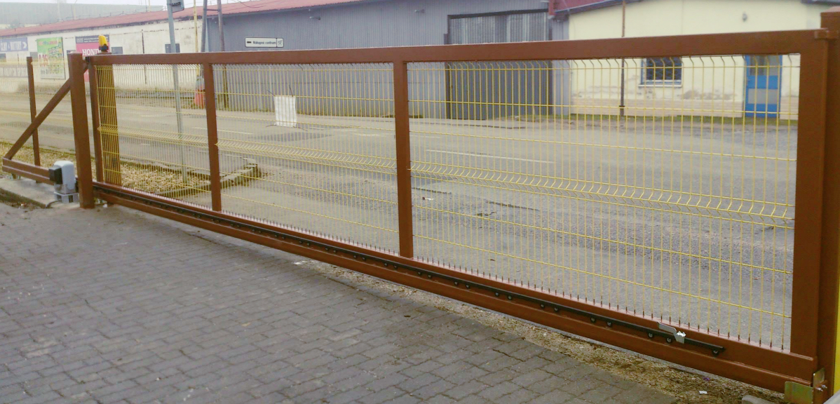 Posuvná brána - samonosná